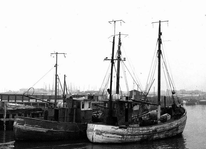Photo: E301 Eva Thinnesen OUYR Bygget 1935 i Sverige 1959-67  1959-67: Eva Thinnesen (foto) 1967: Sprunget læk og forlist 14. oktober i Nordsøen