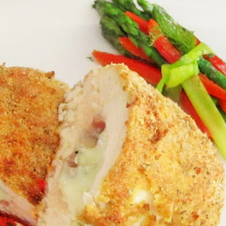 Cheesy Stuffed Chicken with Roasted Red Pepper Sauce & Veggie Bundles