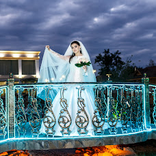 Wedding photographer Rasul Yarichev (rasul70). Photo of 02.10.2016