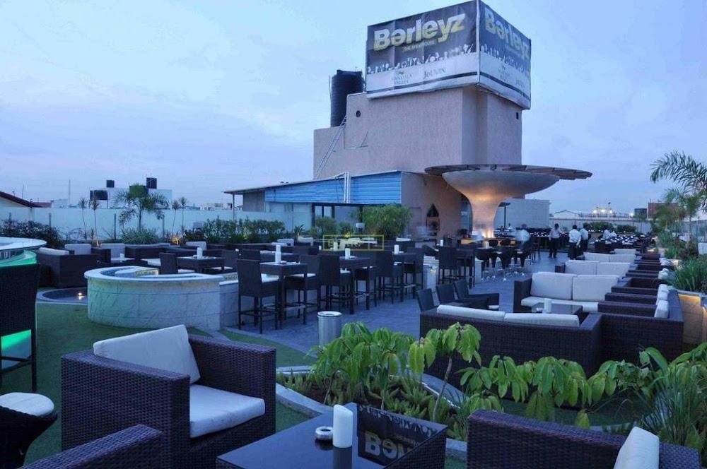 best-restaurants-bangalore-baleyz-image