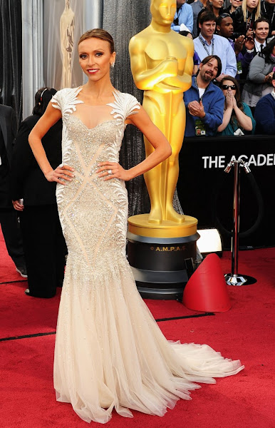 Photo: Giuliana Rancic in Tom Ward  at the Academy Awards 2012