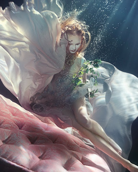 "Photo: ""Dream Weavers"" photographed by Zena Holloway  I'm in love with underwater photography * __ *  Source: http://www.zenaholloway.com/  #wedding   #weddingdresses   #weddingdress   #photography       #underwaterphotography   #fashion   #fashionphotography    #stunning   #beautiful   #ZenaHolloway"