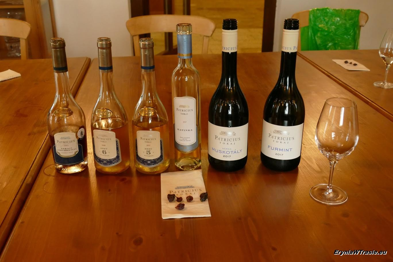 patrz: Wina imuzyka uPatriciusa