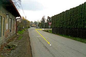 Photo: KUNČIČKY U BAŠKY. PŘÍJEZD K SILNICI č. 56 A NASMĚŘOVÁNÍ DO PODJEZDU POD NÍ (A) - trasa směr Hodoňovice, Beskydy (B) - trasa směr F- M, Paskov