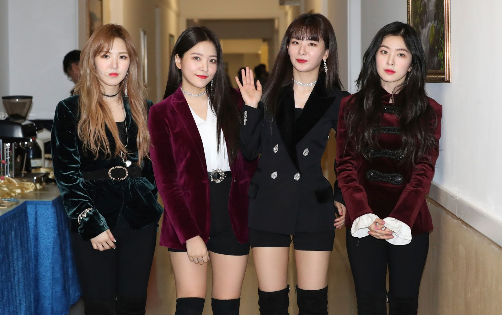 165264bd171 Joy, as well as the other Red Velvet members, had to endure a difficult  time due to a misunderstanding but bravely completed the Pyongyang  performance.
