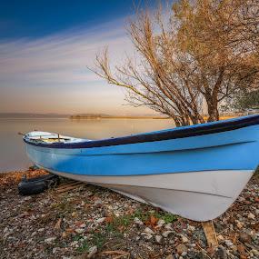 by Veli Toluay - Transportation Boats ( sunny, tekne, su, mavi, uzun pozlanma,  )