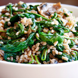 Farro With Mushroom and Spinach (vegan).