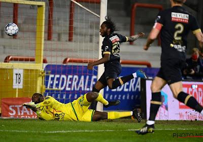 🎥 Les deux buts de Dieumerci Mbokani face à Mouscron