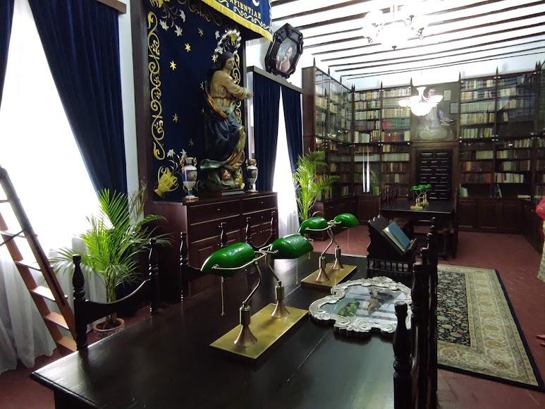 Biblioteca del Saliente.