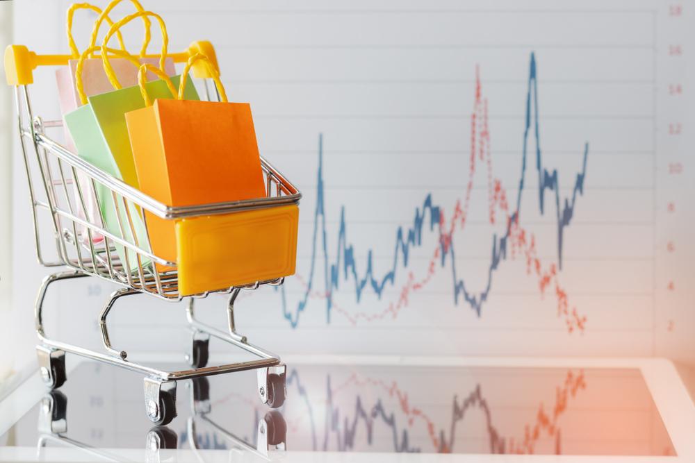 Pola konsumsi bisa diperoleh dengan menganalisis data pelanggan dan juga transaksi.