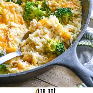 One Pot Cheesy Chicken Broccoli & Rice Recipe