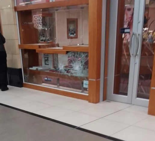 Francarlo Jewellers in Walmer Park Shopping Centre was targeted on Thursday morning