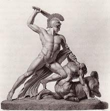 Photo: Die Figurengruppe besteht aus zwei Teilen. Der linke Arm des Theseus gehört zum Block des Kentauren, die rechte Vorderhand des Pferdes zu dem des Theseus.