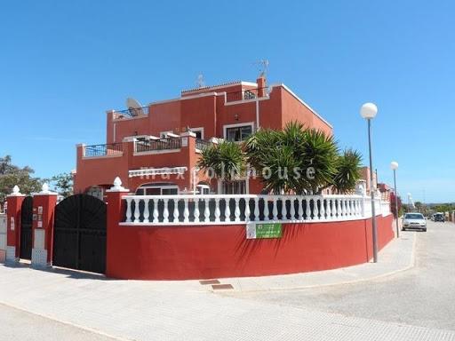 Los Montesinos Quadhouse: Los Montesinos Quadhouse for