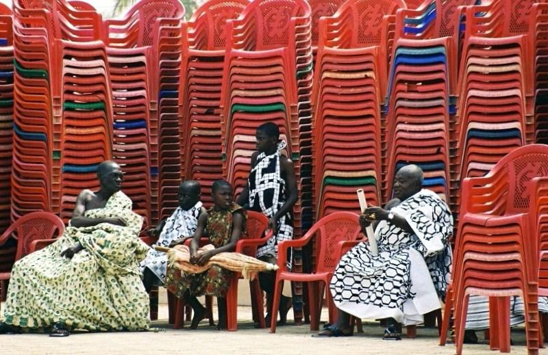 All'ombra delle sedie di paolo-spagg