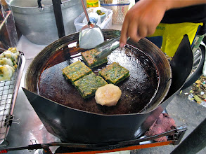 Photo: pan-fried chive cakes at Thong Lo market, Bangkok