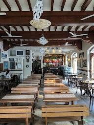 Cafe Universal photo 4