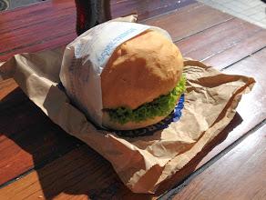 Photo: Lammasburgeri, josta riitti välipalaksi kahdelle