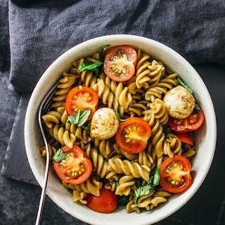 Easy Caprese Pasta Salad with Cherry Tomatoes, Mozzarella, and Basil Recipe