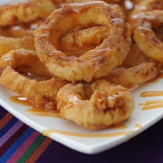 Dessert Apple Rings With Cinnamon Cream Syrup