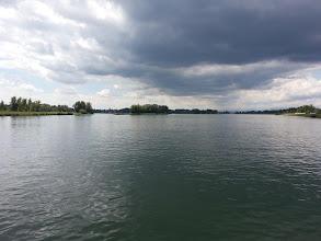 Photo: Mohutný Rýn na francouzsko německé hranici
