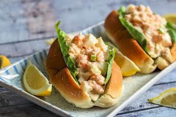 Lobster Roll With Cajun Taste