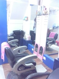 Belli's Beauty Parlour photo 1