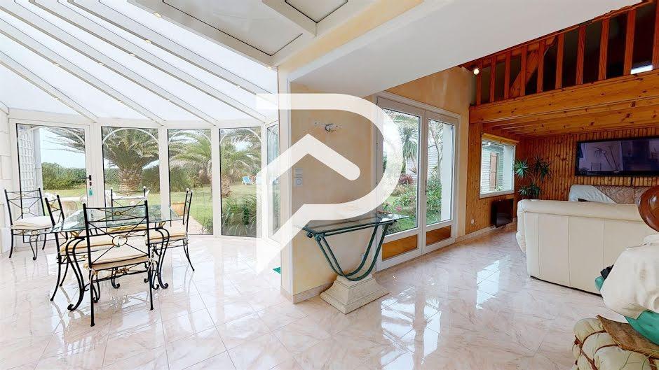 Vente propriété 8 pièces 150 m² à Urville-Nacqueville (50460), 498 750 €