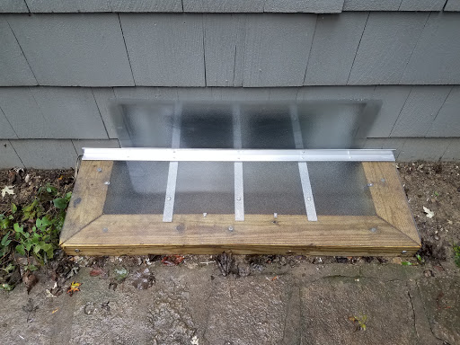 Bensenville,IL HandyManny Custom Window Well Covers