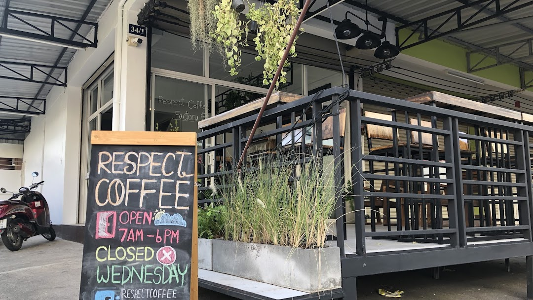 Respect Coffee Factory Cafe In Santitham Chiang Mai