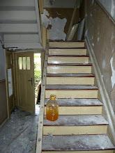 Photo: Das vordere Treppenhaus bereits ohne Geländer