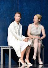 """Photo: WIEN/ Theater in der Josefstadt: """"VOR SONNENUNTERGANG"""" von Gerhard Hauptmann. Premiere 3.9.2015. Pauline Knof, Therese Lohner. Copyright: Barbara Zeininger"""