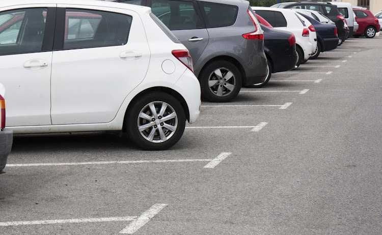 A Pinetown woman is to approach the SAHRC after a dispute over a parking bay turned racial.