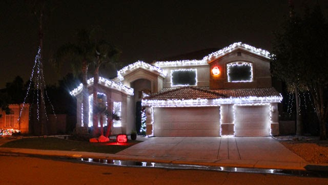 christmas lights at catamaran dr at val vista lakes gilbert az 85234