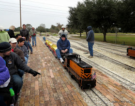 Photo: Engineer Rich Businger prepares to load at 9:18 AM    HALS Public Run Day 2014-1115 RPW