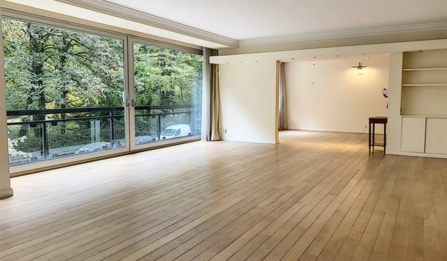 Apartment with terrace Ixelles