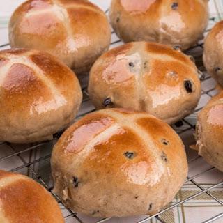 Hot Cross Bun Biscuits.