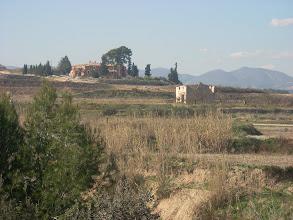 Photo: Una restaurada Casa Nàsio (que va pertànyer a Ignasi Esplugues), al final de la Costera del Monja, al Camí d'Aielo (de Malferit). Vist des de la Riba Alta.