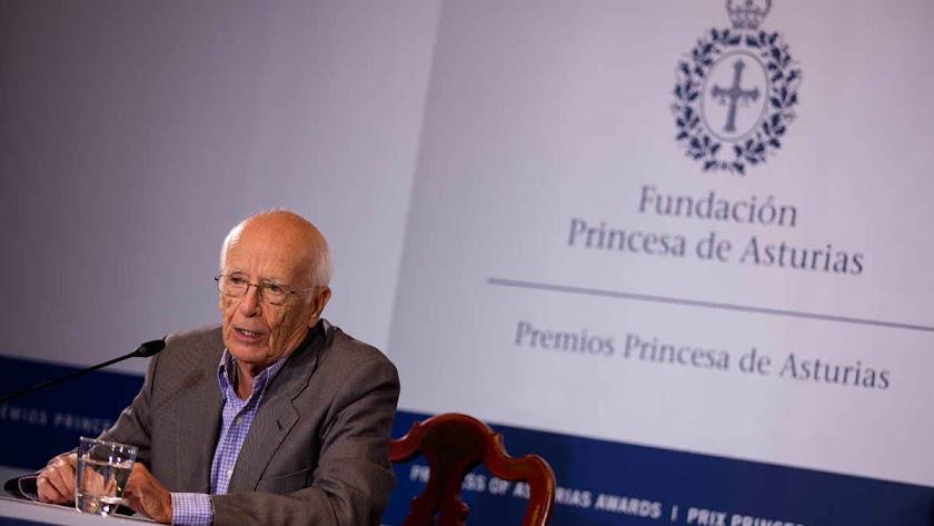 Cultura centra el Día del Libro de 2020 en Emilio Lledó.