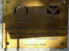 Photo: Monumentul Eroilor Aviatoriloi - detaliu (P-ta 1 Decembrie 1918)  http://ana-maria-catalina.blogspot.ro/2013/05/turda-monumentul-aviatorilor.html