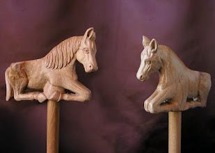 Photo: Bastón caballo. Talla en madera. Woodcarving.    Para leer algo más en relación con esta obra ir al blog: http://tallaenmadera-woodcarving-esculturas.blogspot.com/2010/05/bastones-caballo-y-cabezas-de-mujer.html