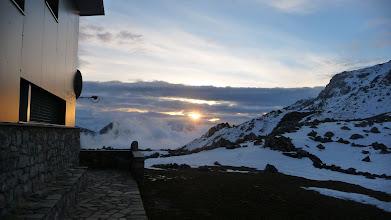 Photo: Amanecer desde el refugio del Meicín