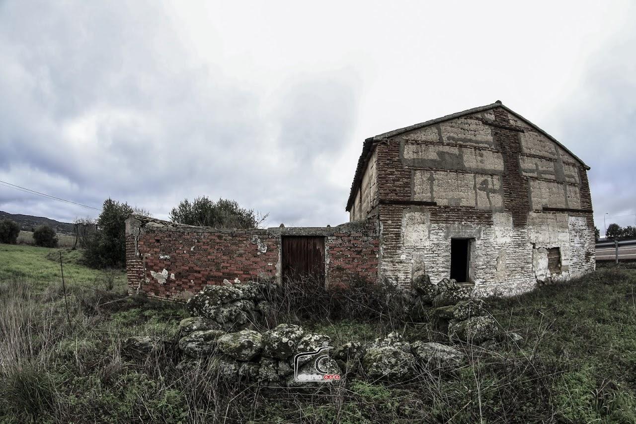 Casa abandonada en la cuneta