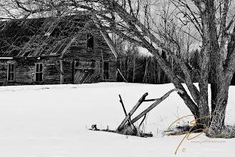 Photo: Abandoned farmin black and white, Jefferson, NH