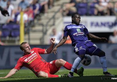 Okaka houdt in de laatste minuut Anderlecht in titelrace