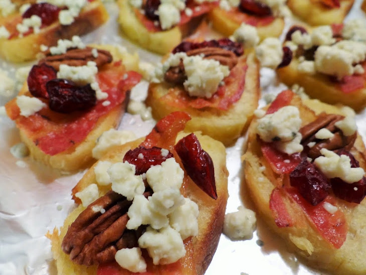 Cranberry Bacon Pecan Crostini with Gorgonzola Appetizer Recipe