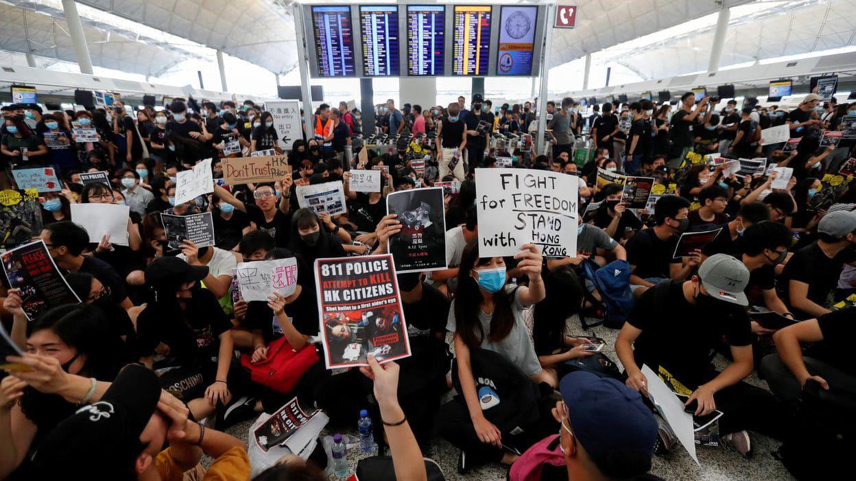 hong kong airport protest kang daniel