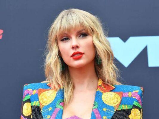 Taylor Swift - #1 among top 50 most popular women