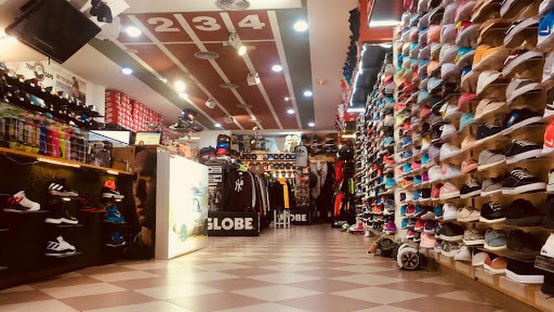 Calafell Deportes Tienda En Sports Amparo De nvmN0w8