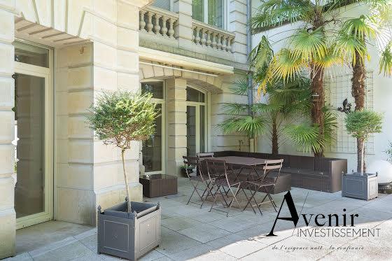 Location appartement 3 pièces 182 m2